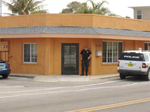 Anna Maria Islander: FBI agents search Island properties