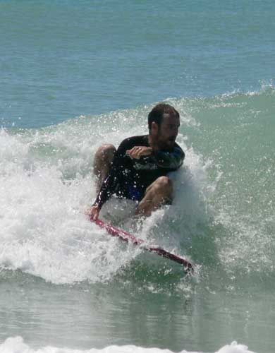 /4-15-09/surf-break-008.jpg