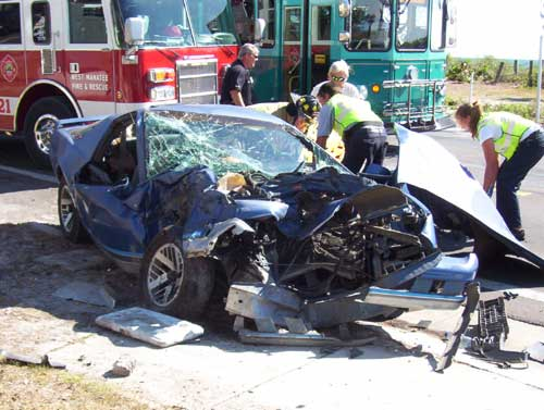 5-13-09/bb-crash1-LM.jpg