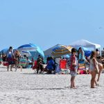 Record number of visitors enjoy sunshine in Florida